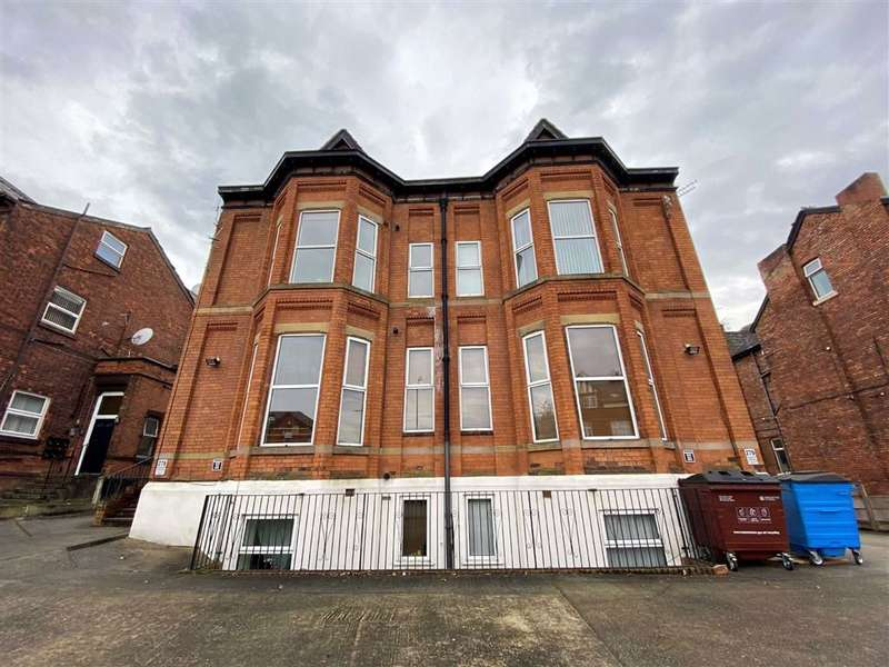 2 Bedrooms Flat for rent in 276 Dickinson Rd, Longsight