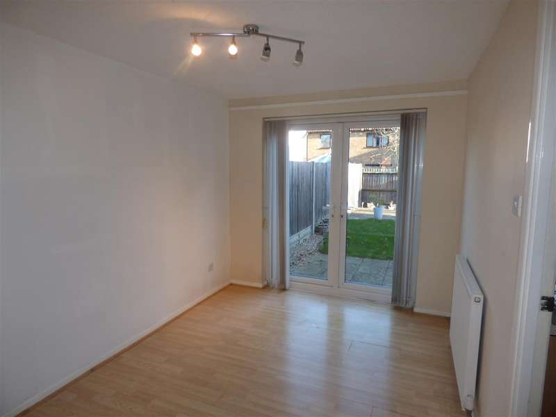 3 Bedrooms Semi Detached House for rent in Homestead, Ashford