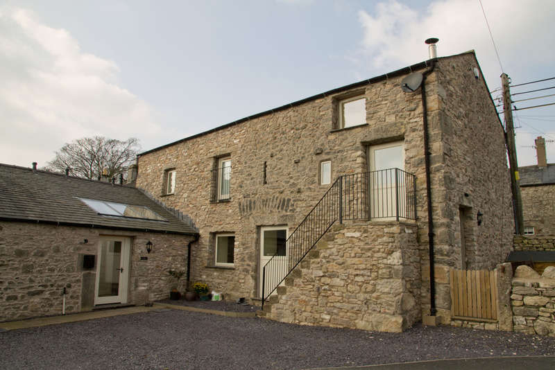4 Bedrooms Unique Property for rent in The Stables, Main Street, Warton