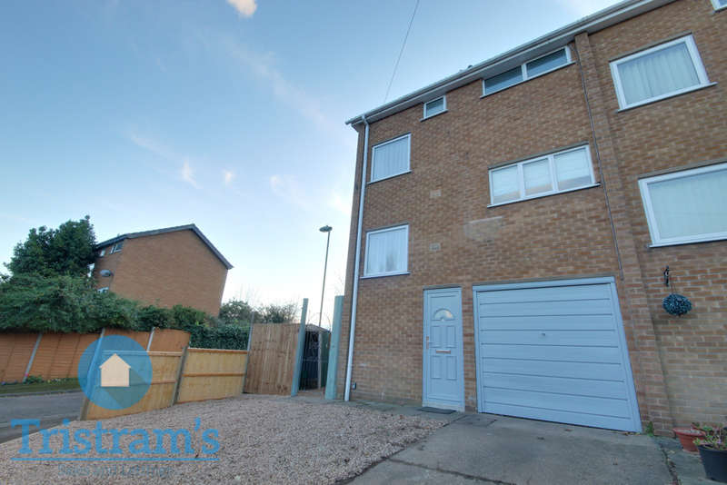 3 Bedrooms Town House for rent in Parkwood Court, Nottingham