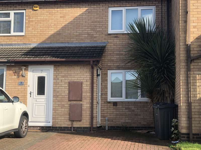 2 Bedrooms Terraced House for rent in Talbot Close, New Oscott