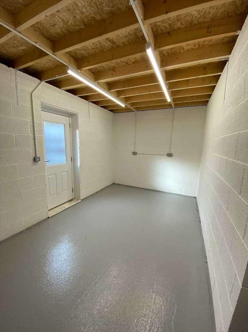 Commercial Property for rent in Enfield Road, Ellesmere Port