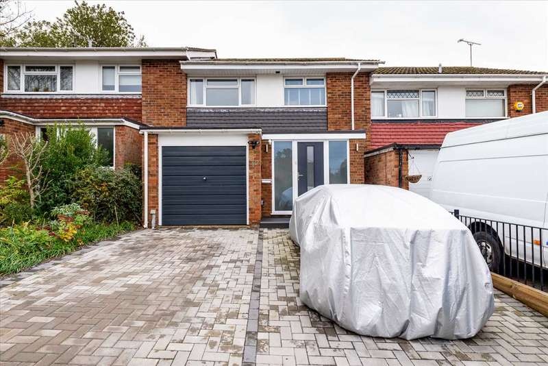 3 Bedrooms Terraced House for sale in Gibbons Road, Sittingbourne