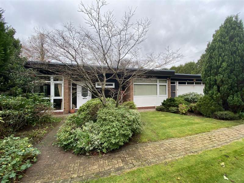 4 Bedrooms Detached Bungalow for sale in Islay Road, Lytham