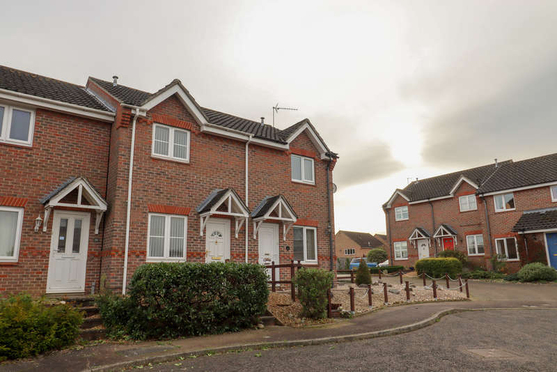 2 Bedrooms Terraced House for rent in Green Road, Newmarket