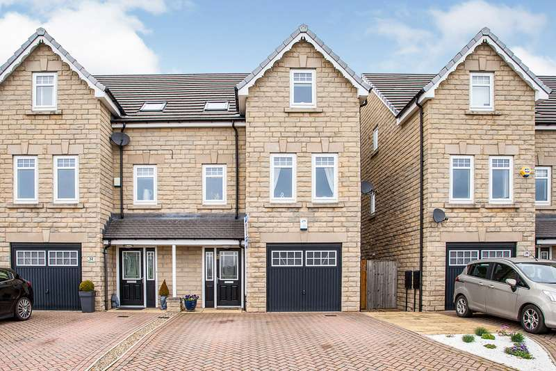 4 Bedrooms Semi Detached House for sale in Miry Lane, Liversedge, West Yorkshire, WF15