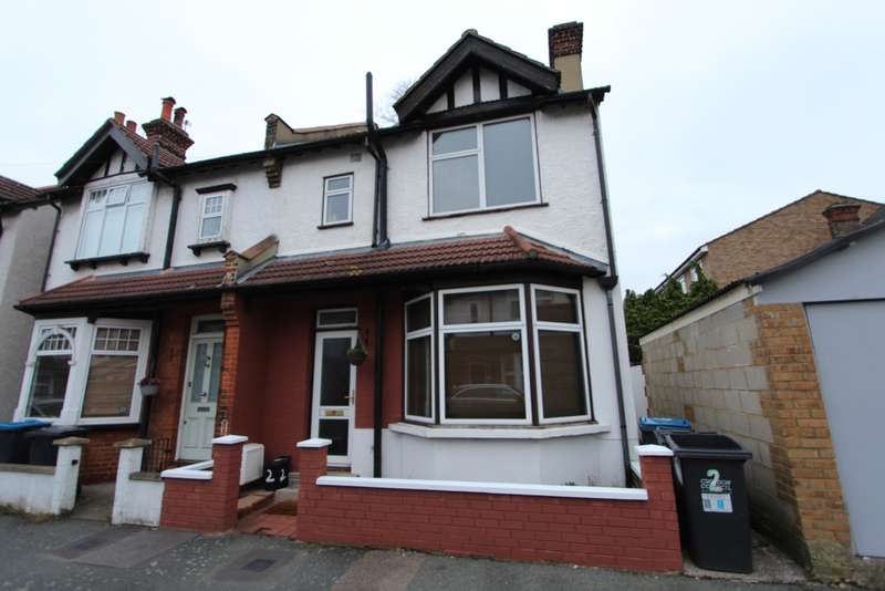 3 Bedrooms Semi Detached House for rent in Windermere Road, Addiscombe, CR0