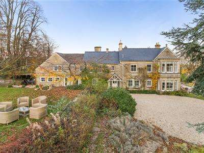 6 Bedrooms Detached House for sale in Brownshill, Stroud