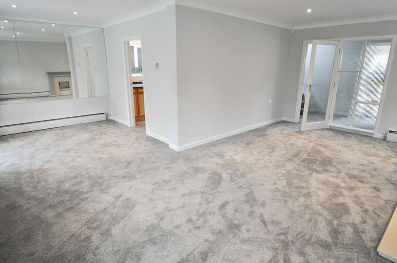 3 Bedrooms Detached House for sale in Beresford Gardens, Hadleigh