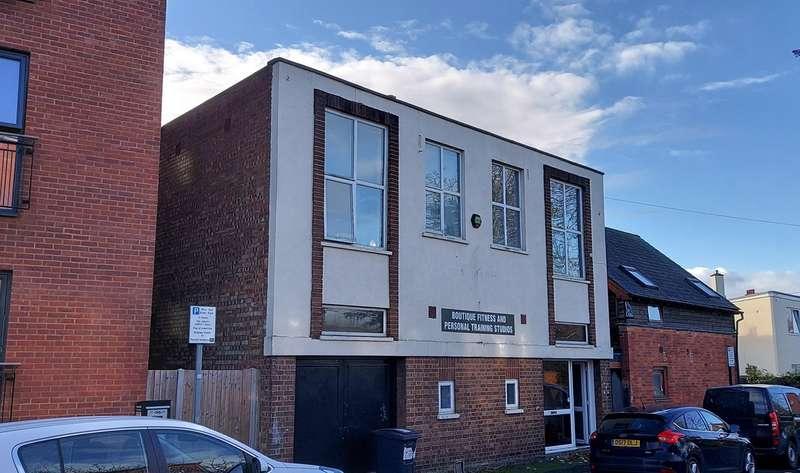 Office Commercial for rent in Avebury Avenue, Tonbridge, TN9