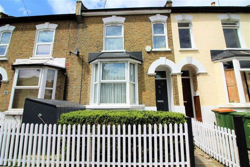 3 Bedrooms Terraced House for rent in West Road, Stratford, London
