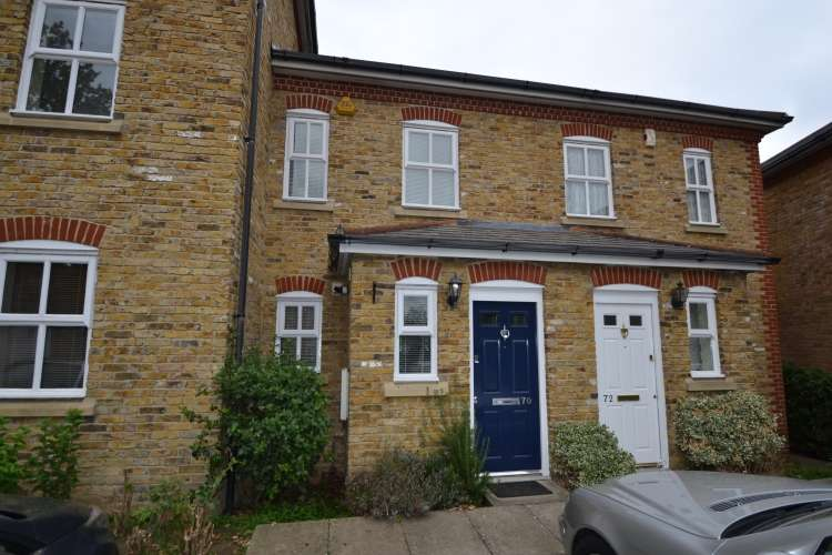 2 Bedrooms House for rent in Stainton Road Catford SE6