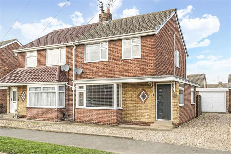 3 Bedrooms Semi Detached House for rent in Molescroft Park, Beverley , East Yorkshire , HU17 7HY
