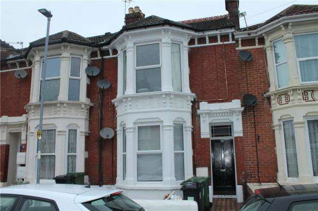 2 Bedrooms Apartment Flat for sale in North End Avenue, Portsmouth