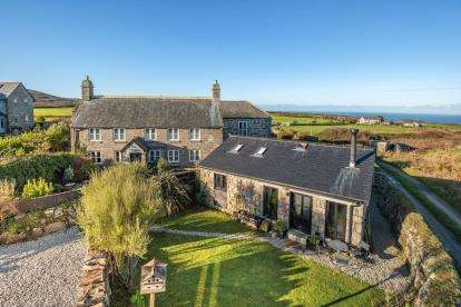 3 Bedrooms Link Detached House for sale in Cornwall