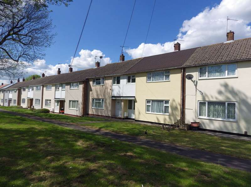 3 Bedrooms Terraced House for rent in Cranmore Avenue, Swindon, Wiltshire