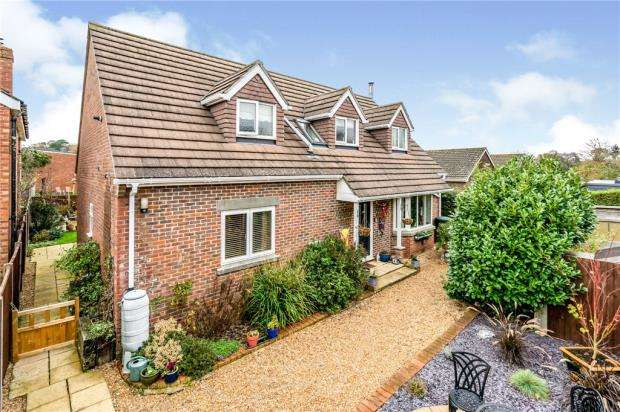 4 Bedrooms House for sale in Anthony Way, Emsworth, Hampshire