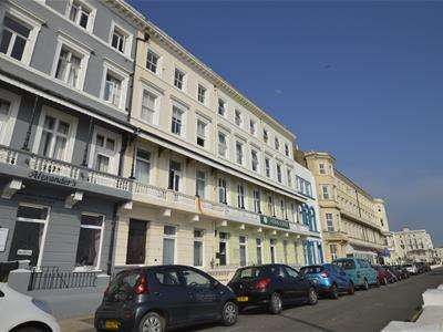 2 Bedrooms Flat for rent in Carlisle Parade, Hastings, TN34