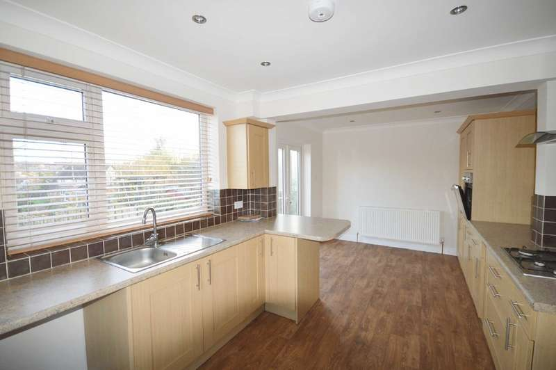 3 Bedrooms Semi Detached House for rent in Sandhurst Gardens, Scarborough