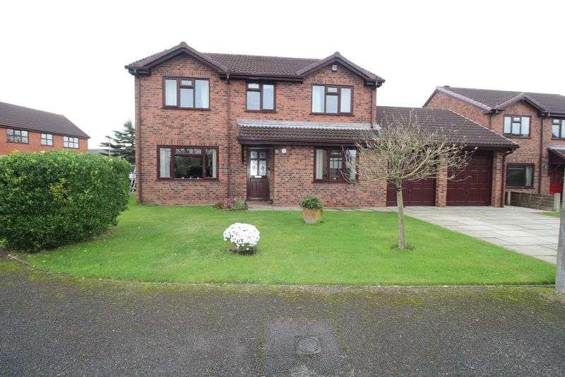 4 Bedrooms Property for sale in Chandlers Croft, Hesketh Bank, Preston