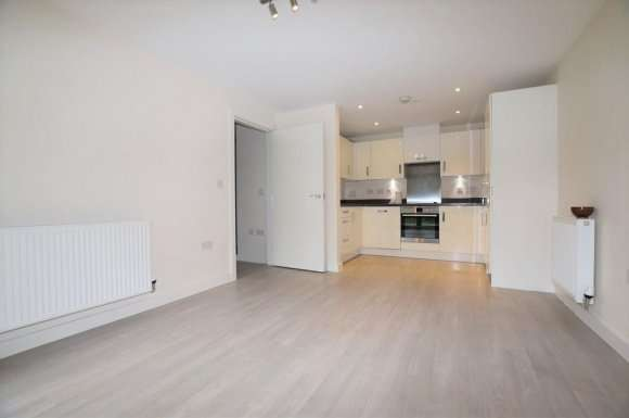 2 Bedrooms Apartment Flat for rent in Fitzwilliam Court, Newsom Place, St. Albans