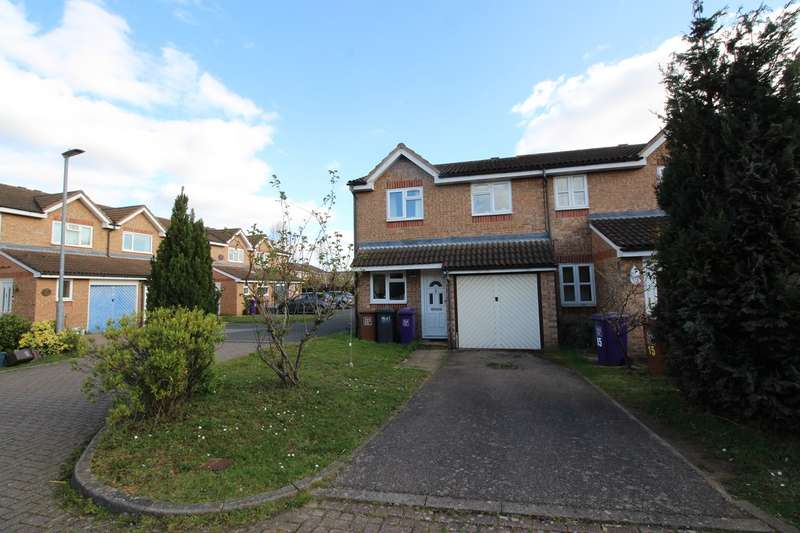 3 Bedrooms Semi Detached House for rent in Stirling Close, Hitchin, SG4