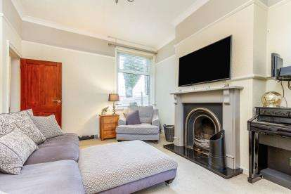 2 Bedrooms Terraced House for sale in Whalley Road, Altham West, Accrington, Lancashire, BB5