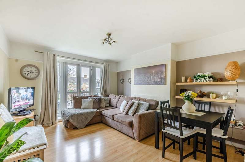 2 Bedrooms Flat for sale in Champion Hill, Denmark Hill, SE5