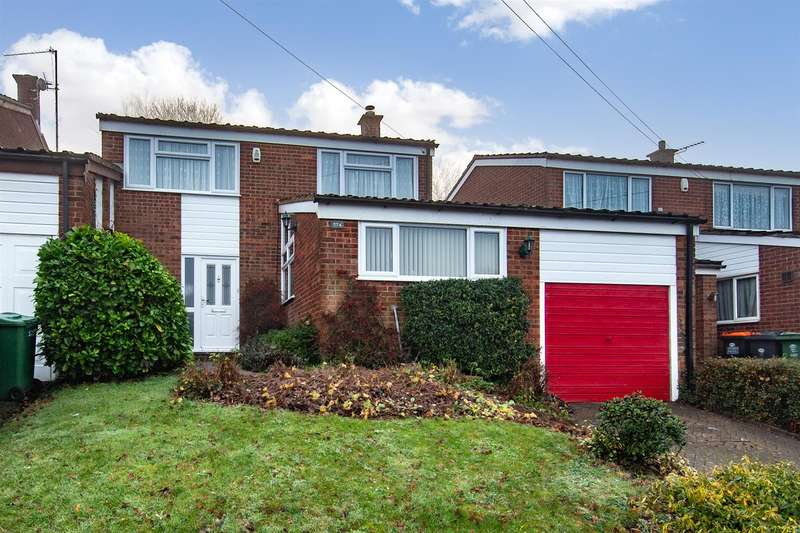3 Bedrooms Detached House for sale in Lowther Road, Dunstable
