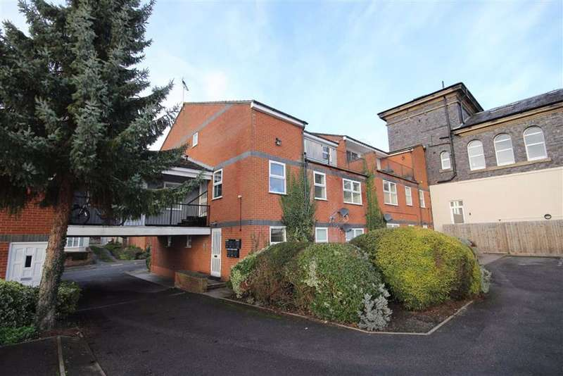 1 Bedroom Flat for rent in Governors Court, Warwick, CV34