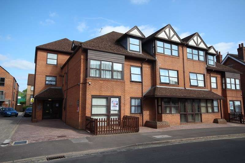1 Bedroom Apartment Flat for rent in Oakley Court 46-52, Southampton Road, Ringwood, Hampshire, BH24