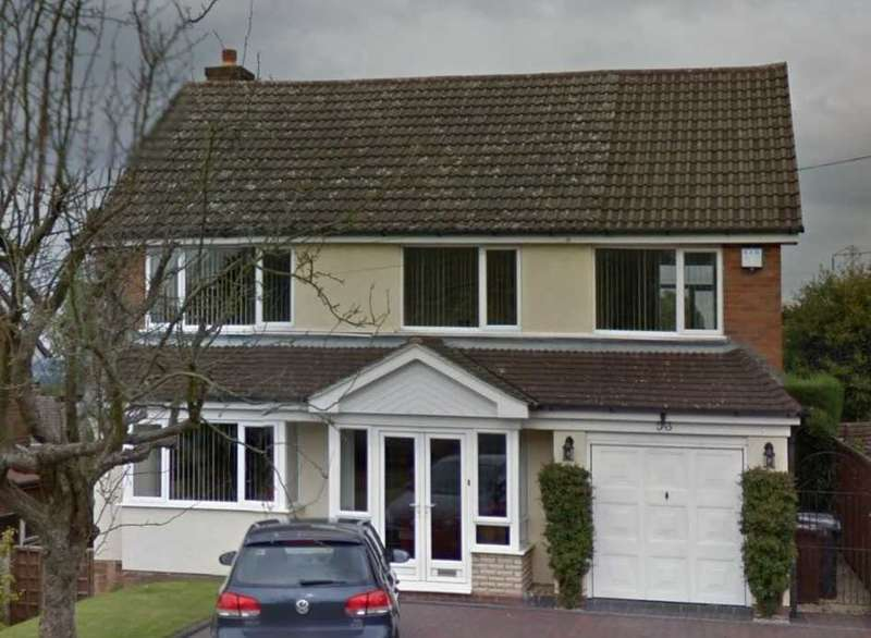 4 Bedrooms Semi Detached House for rent in Farrington Road, Ettingshall, Wolverhampton