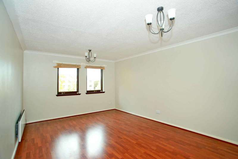 2 Bedrooms Flat for sale in Craig Park, Nigg, Aberdeen, AB12 3BD