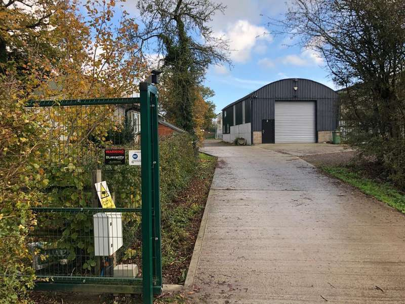 Garage Commercial for rent in Ibornden Farm, Frittenden Rd, Biddenden, TN27