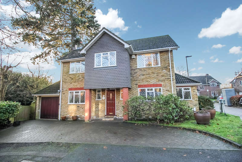 4 Bedrooms Detached House for sale in Davema Close, Chislehurst