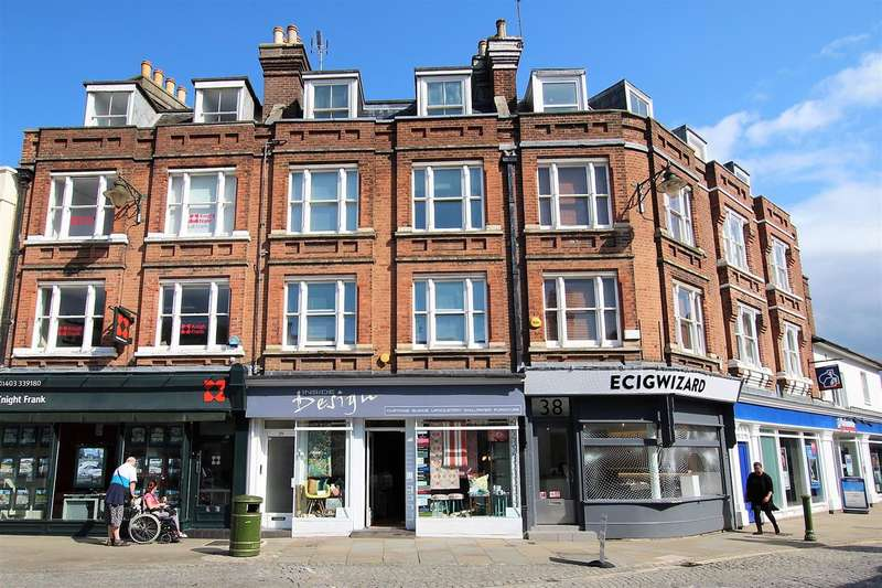 2 Bedrooms Apartment Flat for rent in Carfax, Horsham