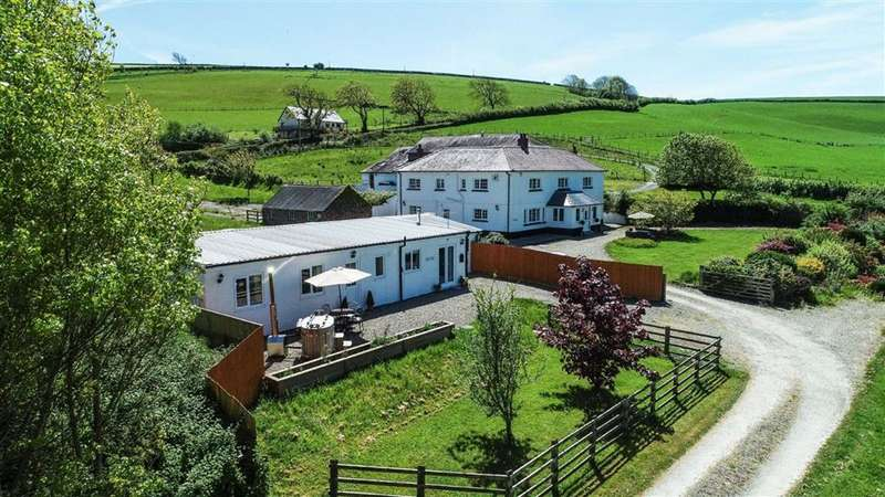 5 Bedrooms Property for sale in Llansteffan, Carmarthen