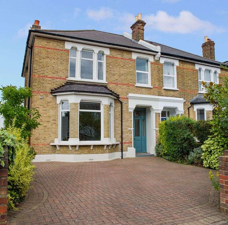 4 Bedrooms Property for sale in Wheathill Road, London