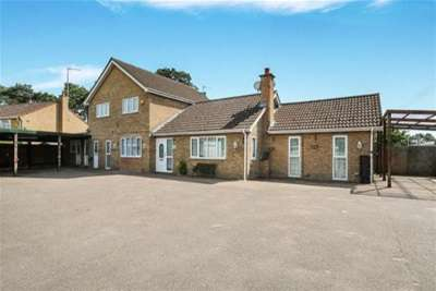 4 Bedrooms Detached House for rent in Mildenhall