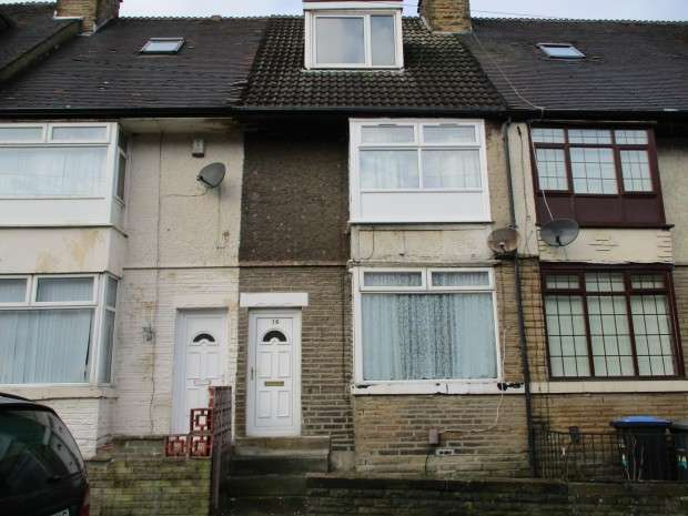 3 Bedrooms Terraced House for rent in Lilian Street, Bradford, BD4