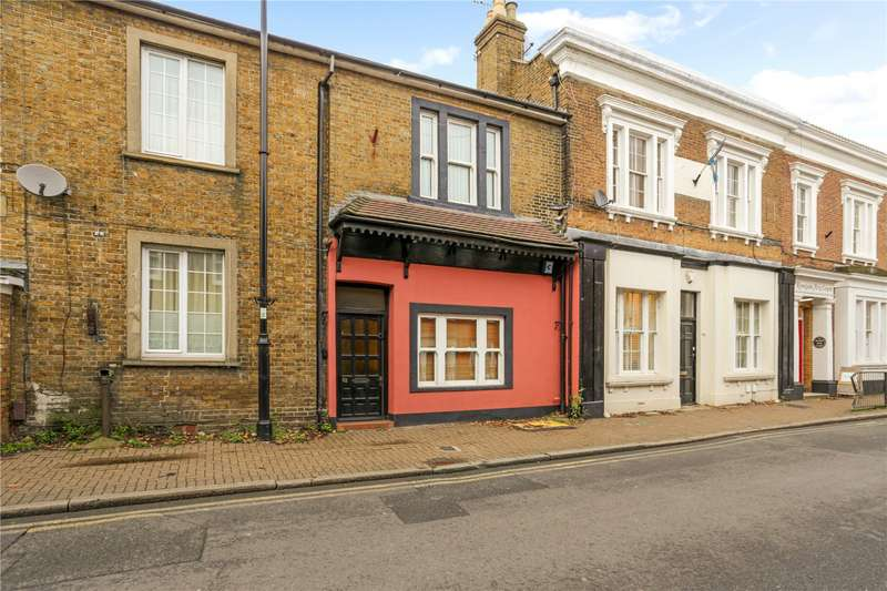 3 Bedrooms Terraced House for sale in Thames Street, Sunbury-on-Thames, Surrey, TW16