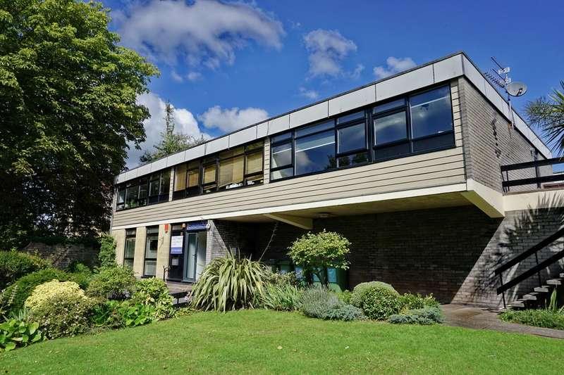 2 Bedrooms Flat for rent in Cotham Road, Bristol, BS6