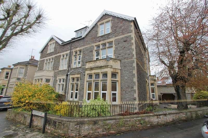4 Bedrooms Flat for rent in Ravenswood Road, Bristol, BS6