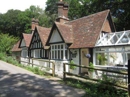 4 Bedrooms Detached House for sale in Bramshaw, Hampshire
