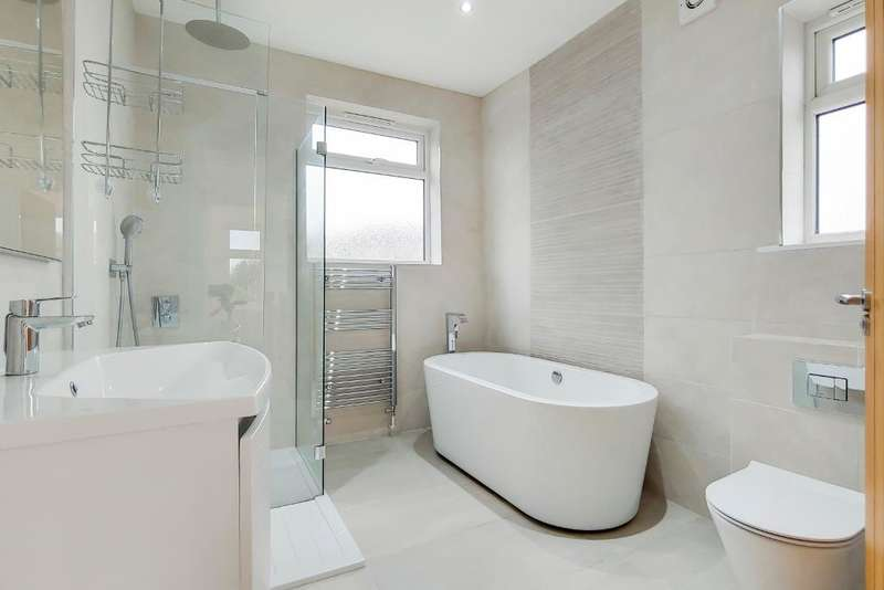 3 Bedrooms Semi Detached House for sale in Colney Hatch Lane, Muswell Hill, London, UK, N10 1EY