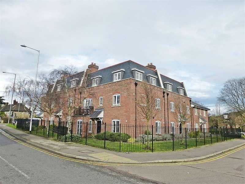 2 Bedrooms Flat for rent in Great North Road, Hatfield, AL9