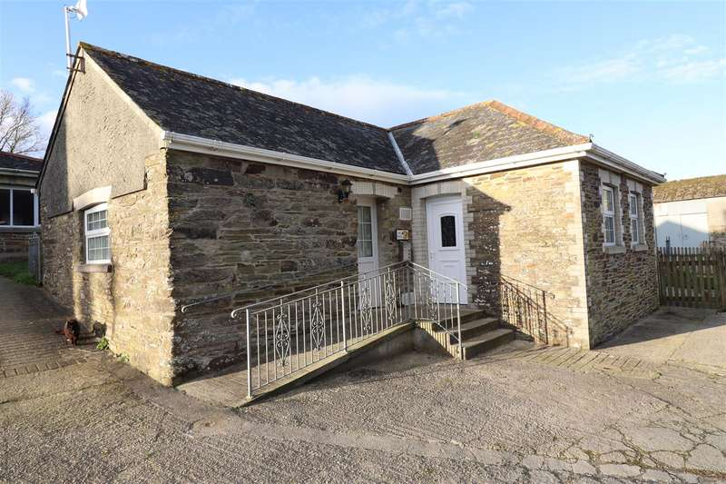 3 Bedrooms Barn Conversion Character Property for rent in Trenona Farm, Ruanhighlanes