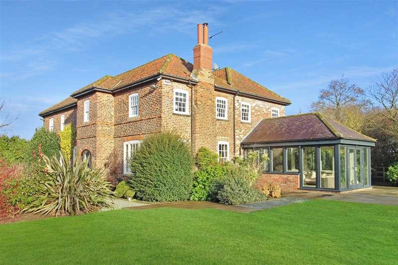 5 Bedrooms Detached House for sale in Bentley, Beverley