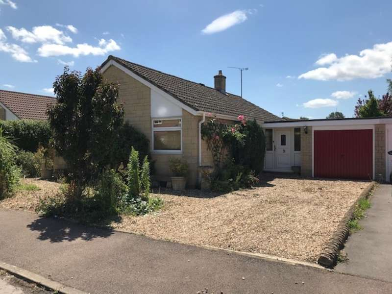 3 Bedrooms Detached Bungalow for sale in Holford Crescent, Kempsford