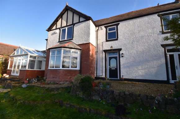 3 Bedrooms Property for sale in King Street, Cefn Mawr, Wrexham